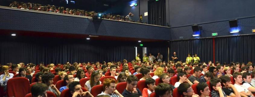 Ragazzi alla conferenza di Massimo Tettamanti - maggio 2012